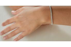 What is a Diamond Tennis Bracelet?